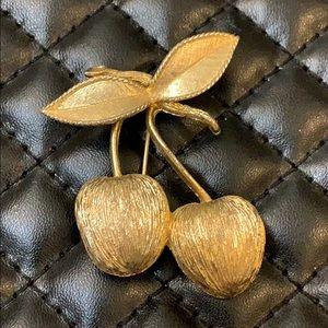 Vintage Jewelry - Vintage Retro Gold Metal Figural Cherry Brooch